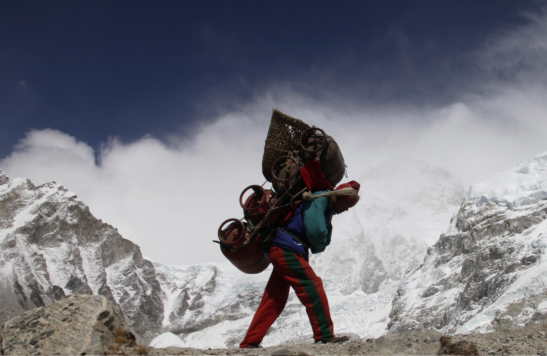 Coach e mentore. Tutti abbiamo un Everest da conquistare, ma pochi uno sherpa da cui farsi guidare.