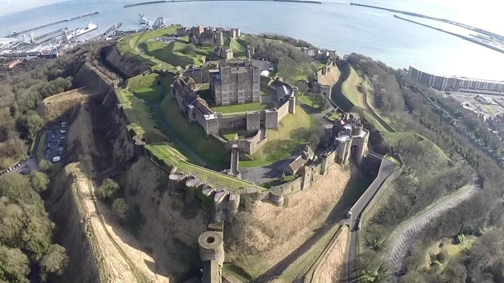 Castello di Dover - tre mura di difesa